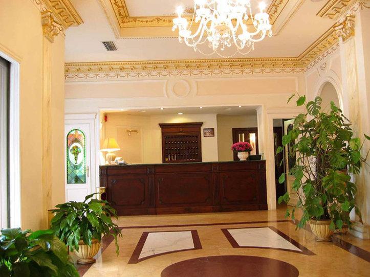 加利亞酒店