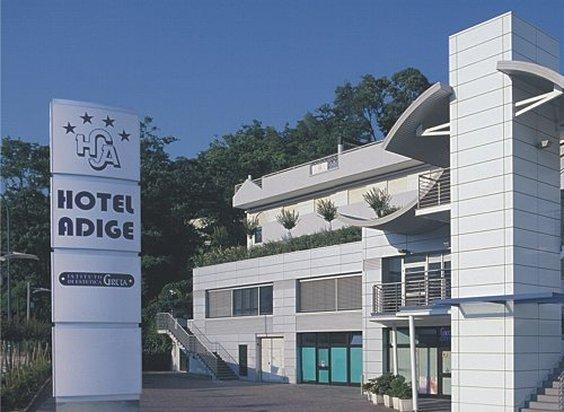 ホテル アディジェ