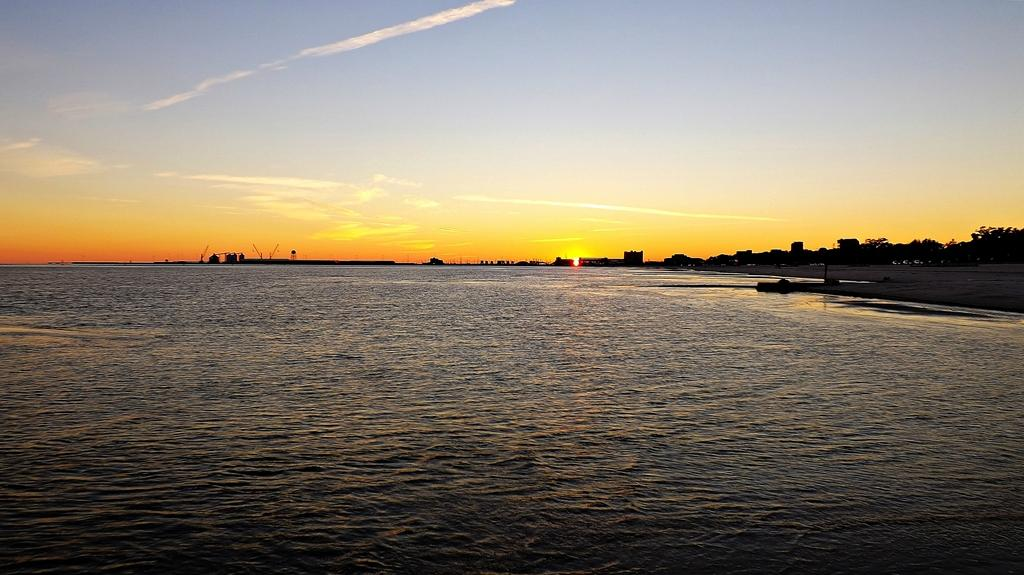 Gulf Coast, MS looking toward Gulfport