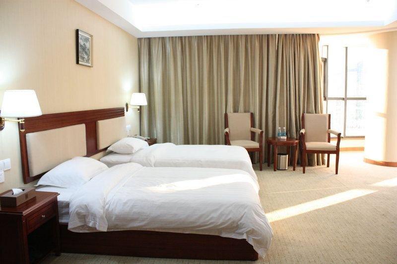 Xingwei Yifeng Hotel