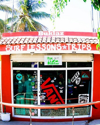 ‪Buklaz Surf Shop & School‬