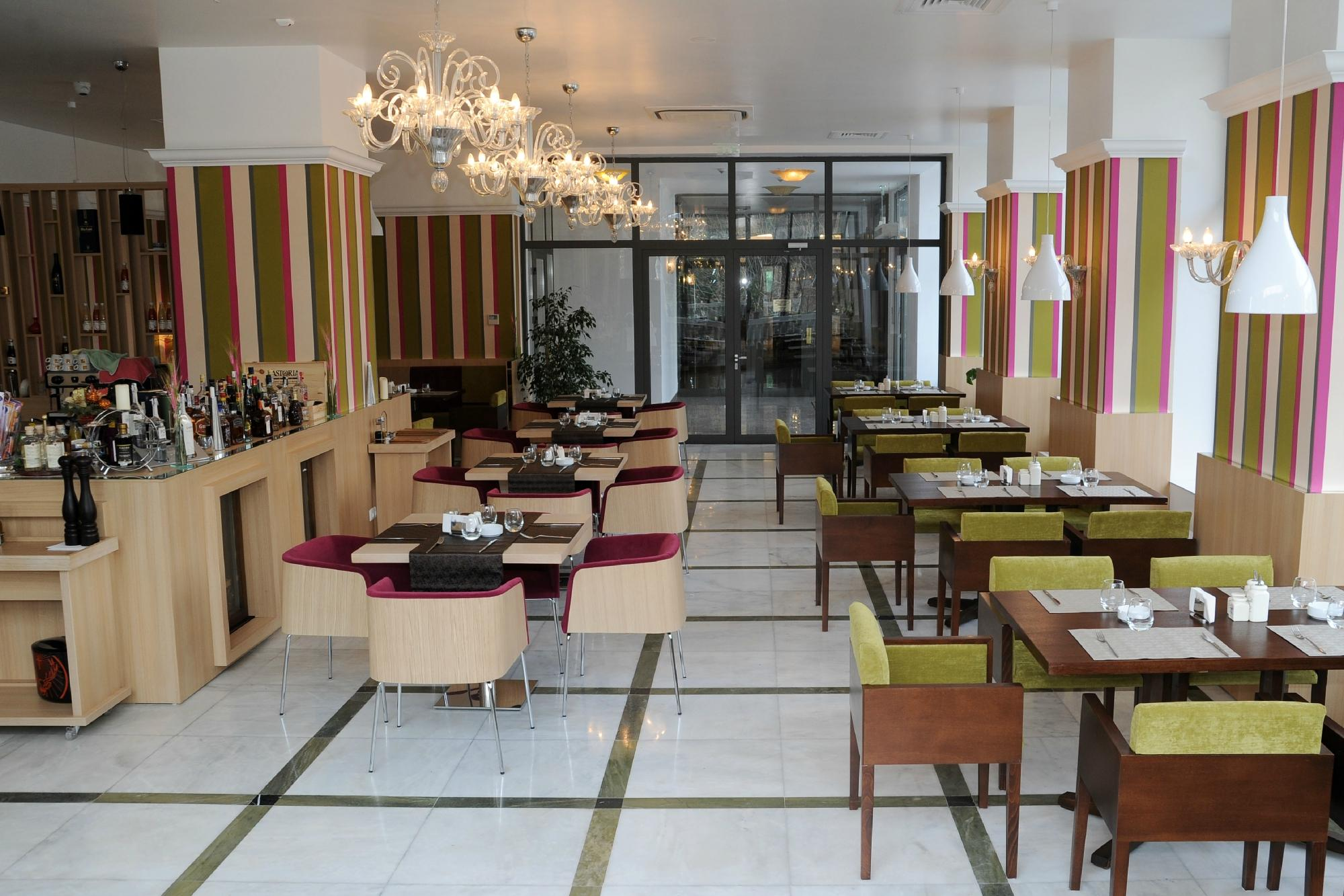 Things To Do in Romanian, Restaurants in Romanian