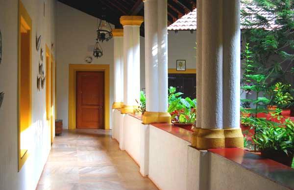 Hotel Bougainvillea - Granpa's Inn