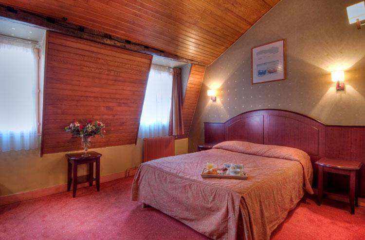 Le Faubourg Hotel