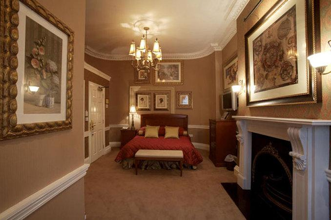 Opulence Hotel