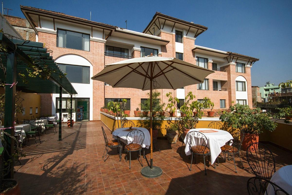 Ambassador Chauni Apartment-Hotel