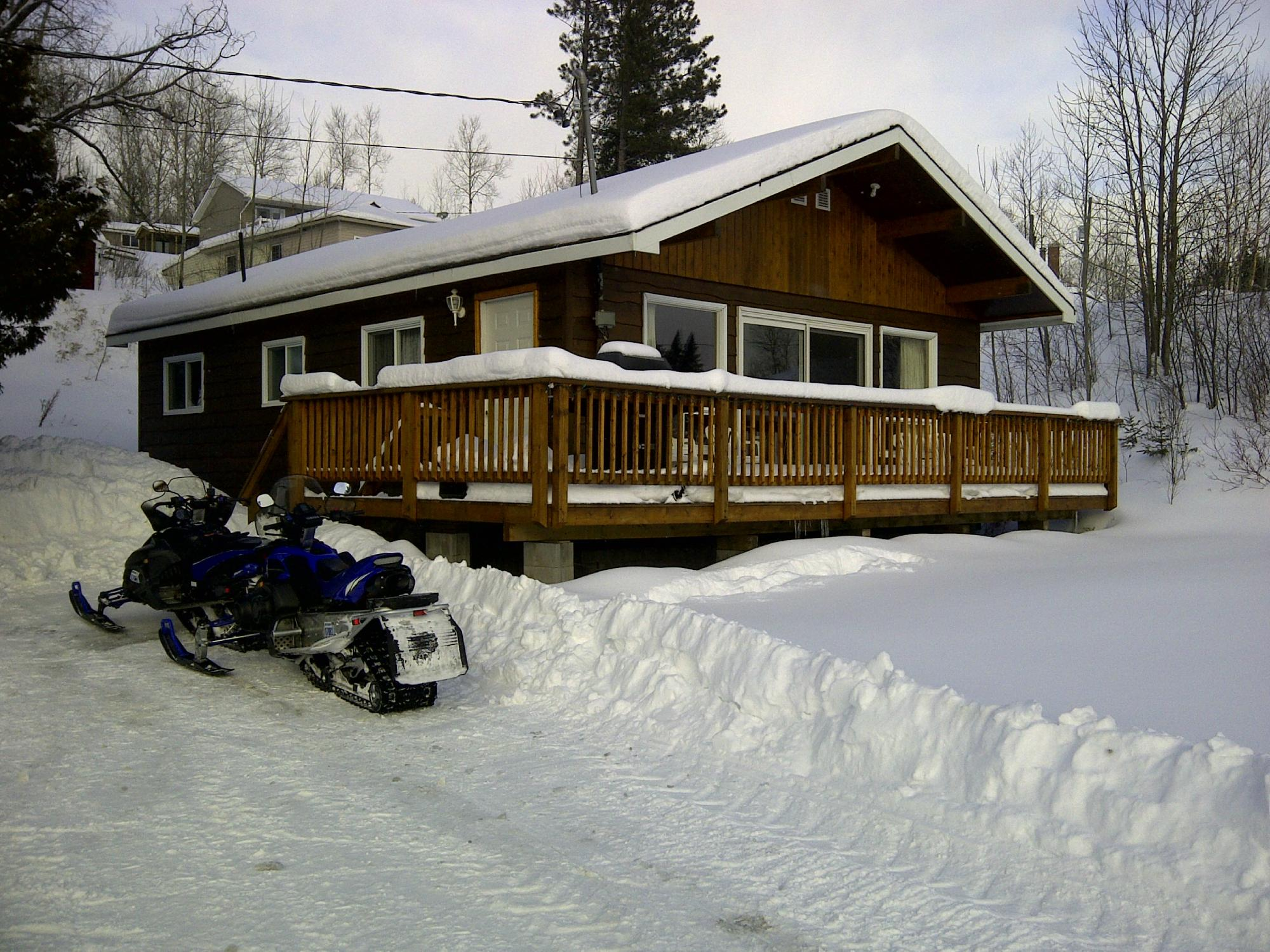 Gowganda Lake Lodge