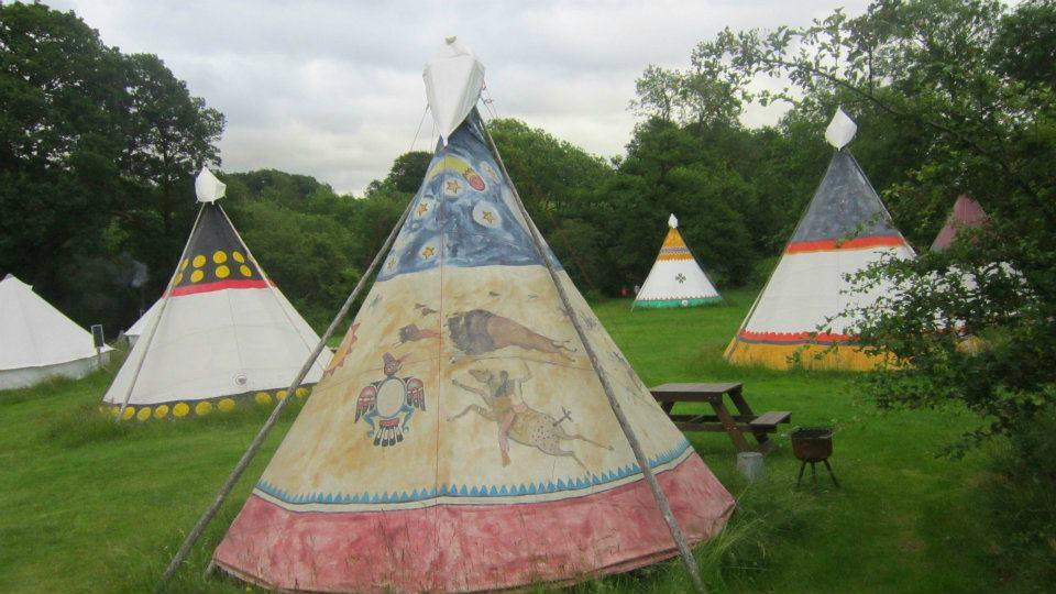 4 Winds Lakeland Tipis