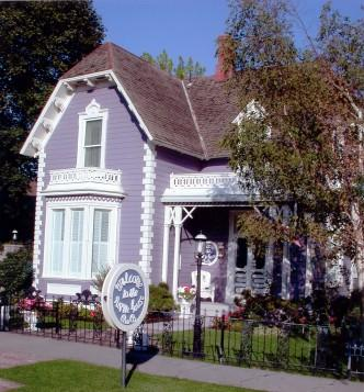 Purple House Bed and Breakfast