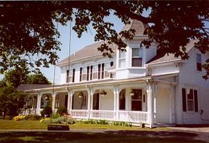 Captain's Quarters Bed and Breakfast Inn
