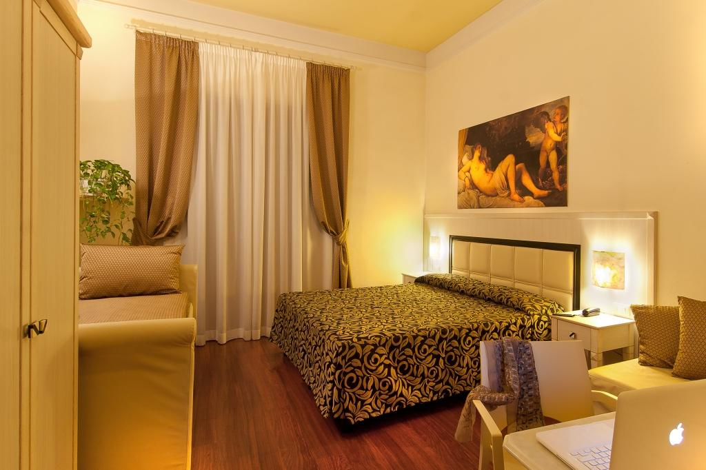 Https Www Tripadvisor Com Hotel Review G187895 D564350 Reviews Florence Room B B Florence Tuscany Html