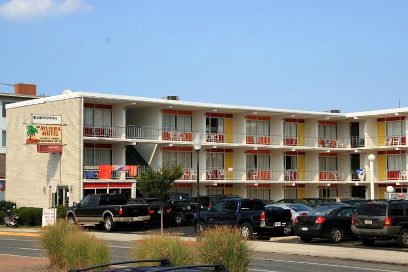 Riviera Motel