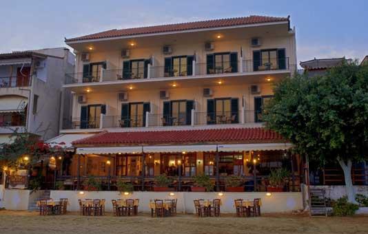Hotel Taverna Romvi
