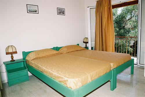 Konstantinos Apartments Hotel