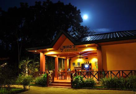 Niko's Cabanas & Restaurant