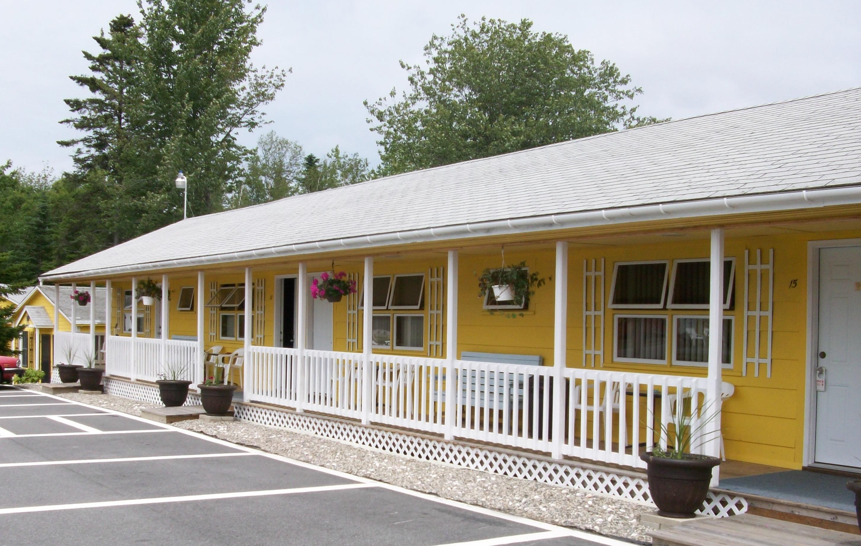 Sunnyside Motel & Cottages