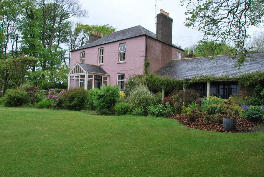 Dunnottar Mains Bed & Breakfast