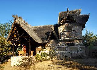 Livingstone Safari Lodge & Campsite