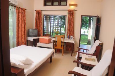 Vembanad Lake Resort