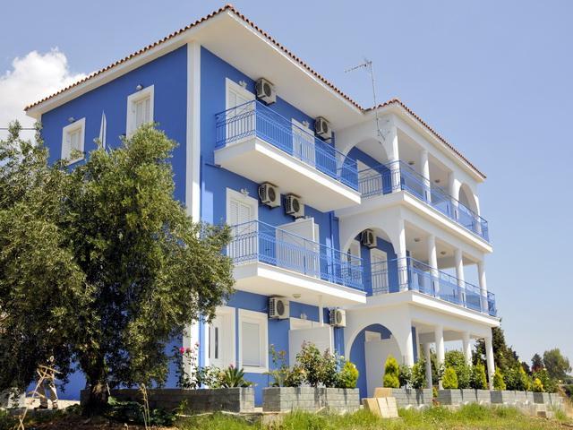 Folies Apartments