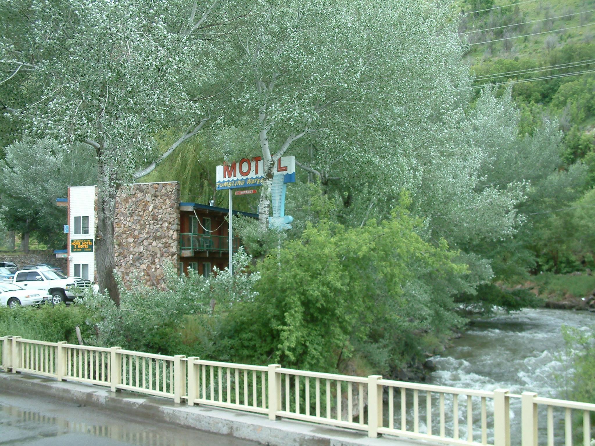 Tumbling Waters Inn
