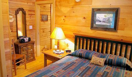 Four Seasons Cottages & Cabins