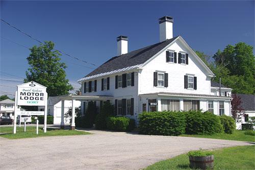 Daniel Webster Motor Lodge
