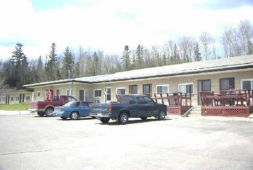 Pine Crest Motel