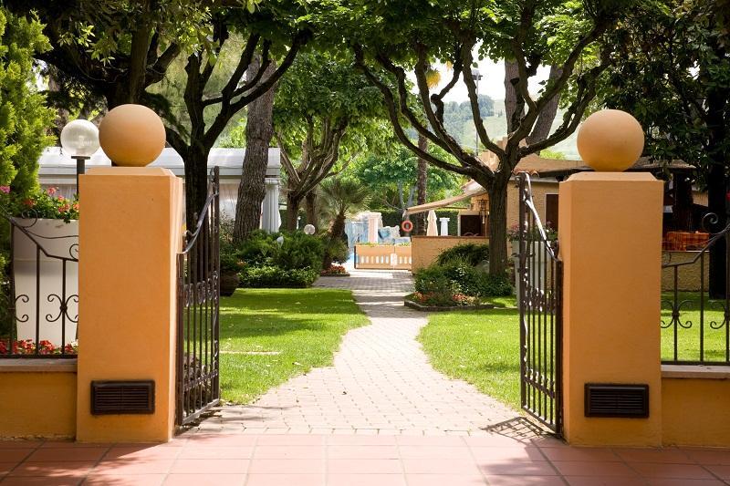 Oscar & Amorina Hotel