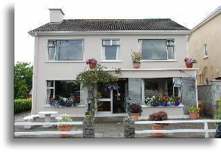 Avelow House