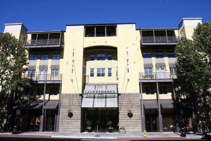 Oakwood 101 San Fernando