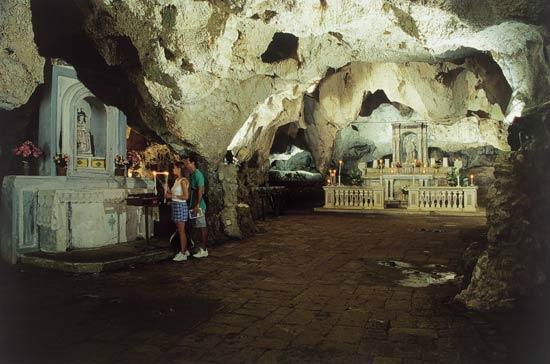 Grotta di San Michele