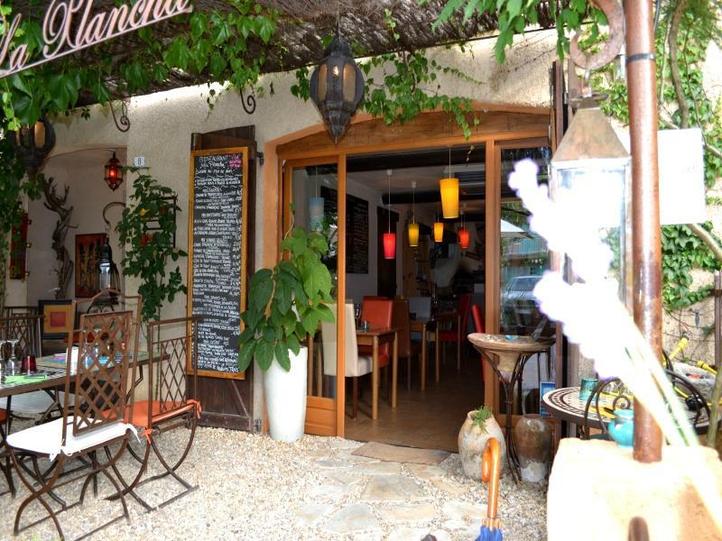 La Plancha, Les-Salles-sur-Verdon - 8 Place Garuby - Restaurant ...