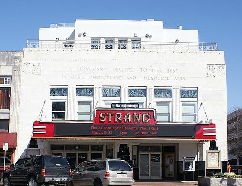 ‪Earl and Rachel Smith Strand Theatre‬