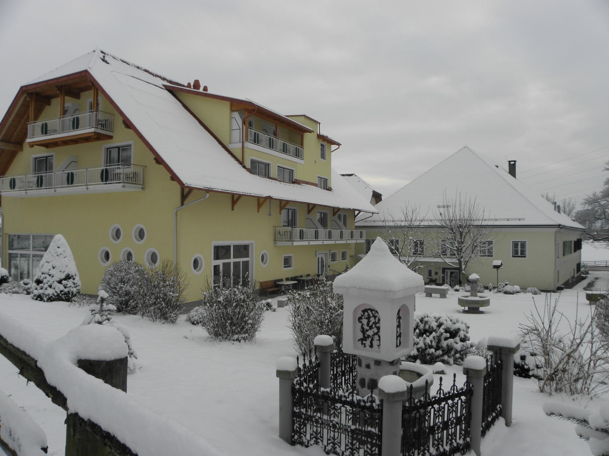 Hotel-Gasthof Stoff