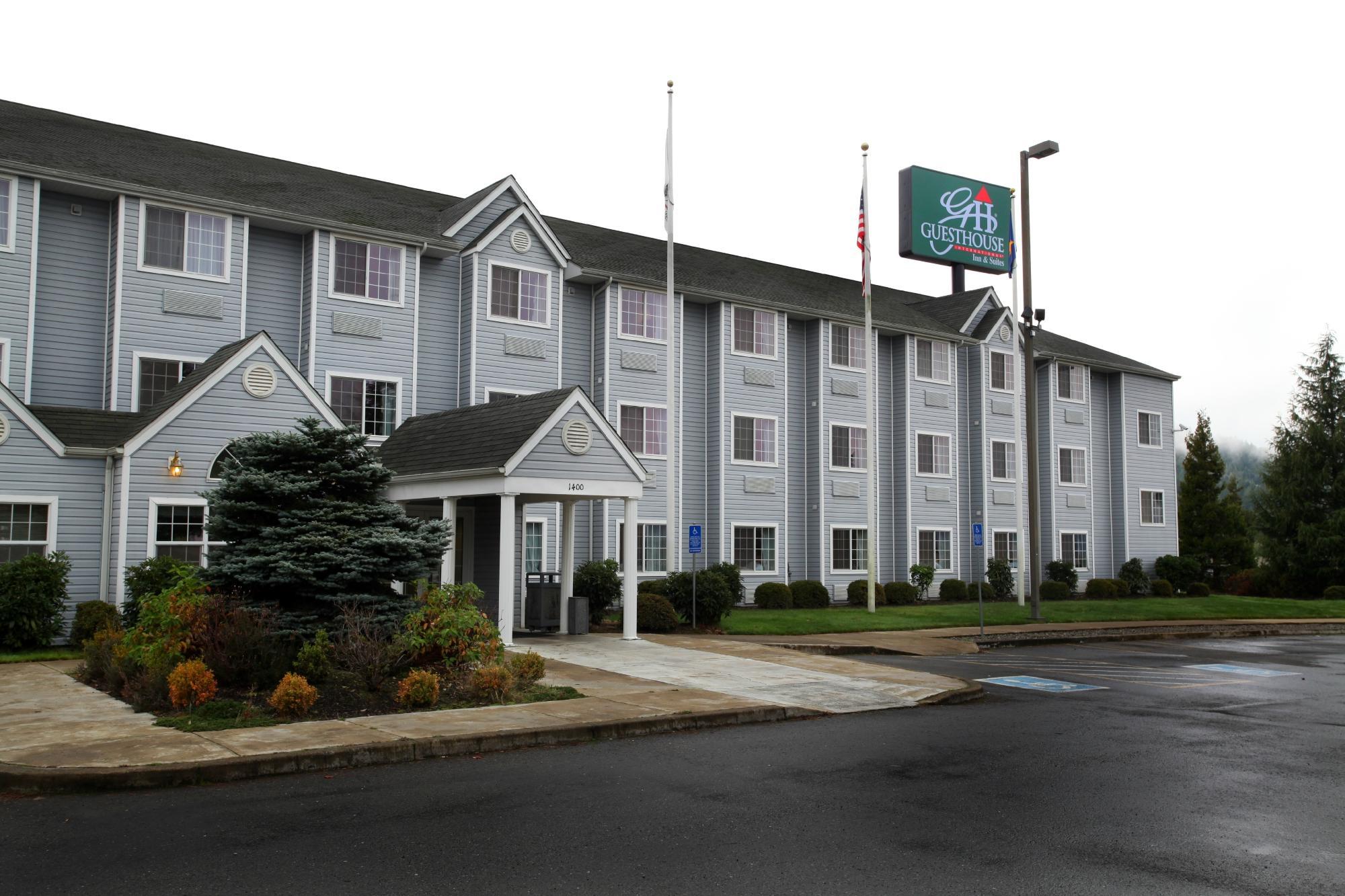 GuestHouse Inn & Suites Sutherlin / Roseburg