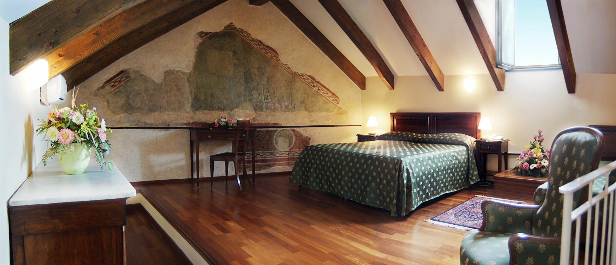 ホテル パラッツォ ヴェスコヴィーレ