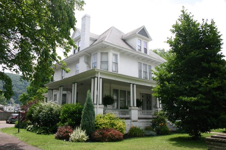 ‪Magnolia House Bed & Breakfast‬