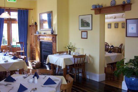 Hobnobs Licensed Restaurant