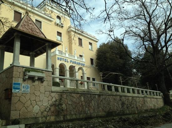 호텔 파라디소