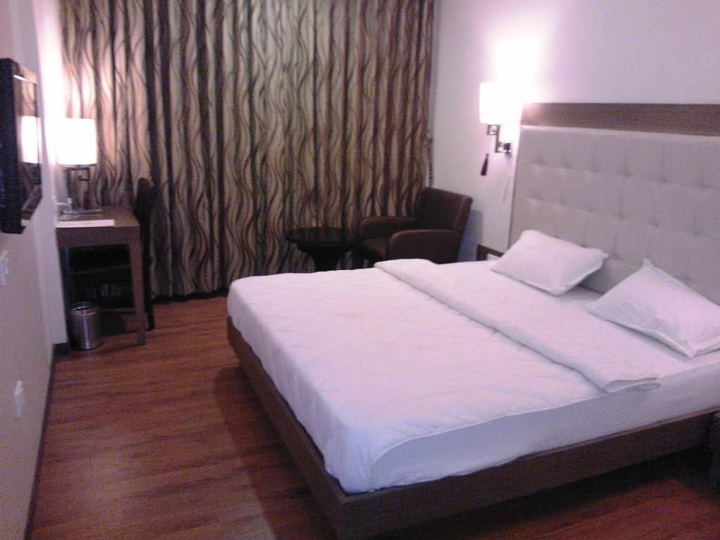 Hotel Furaat Inn Hotel Furatt International Vadodara Gujarat Hotel Reviews