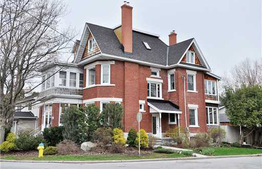 Courtenay House at Westboro
