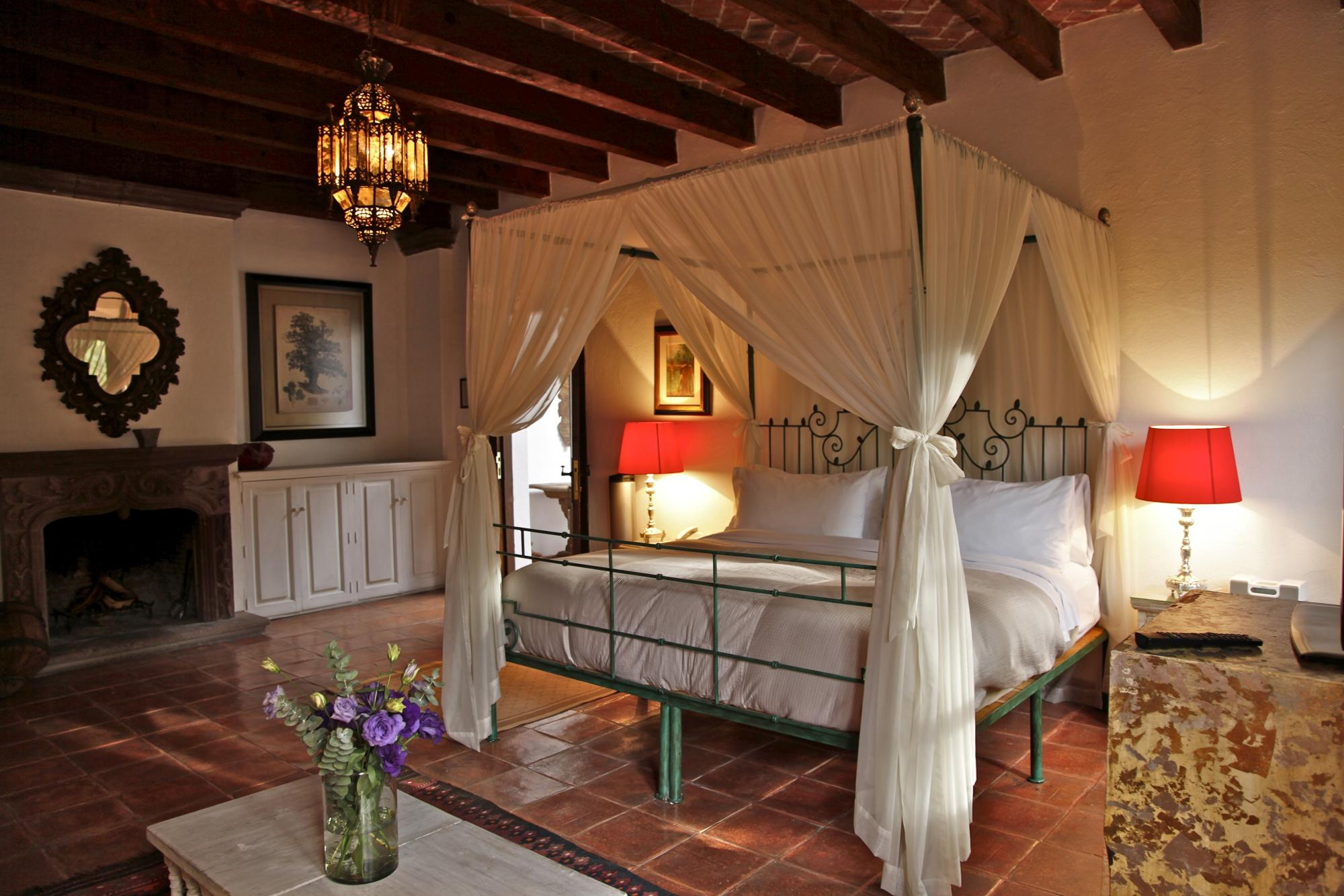 Antigua Villa Santa Monica