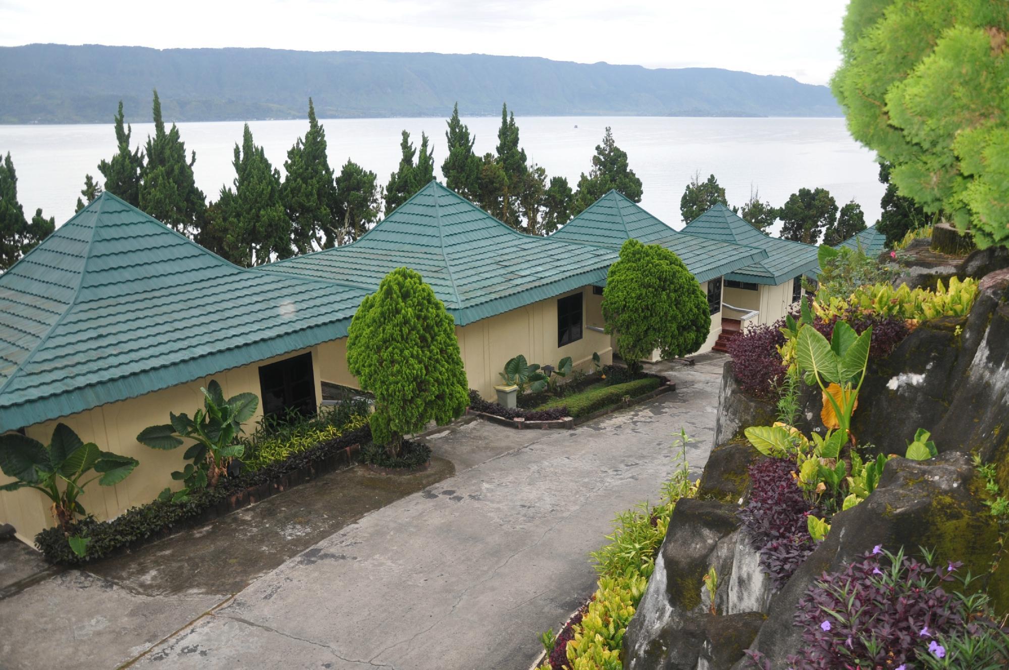 Danau Toba International Cottage