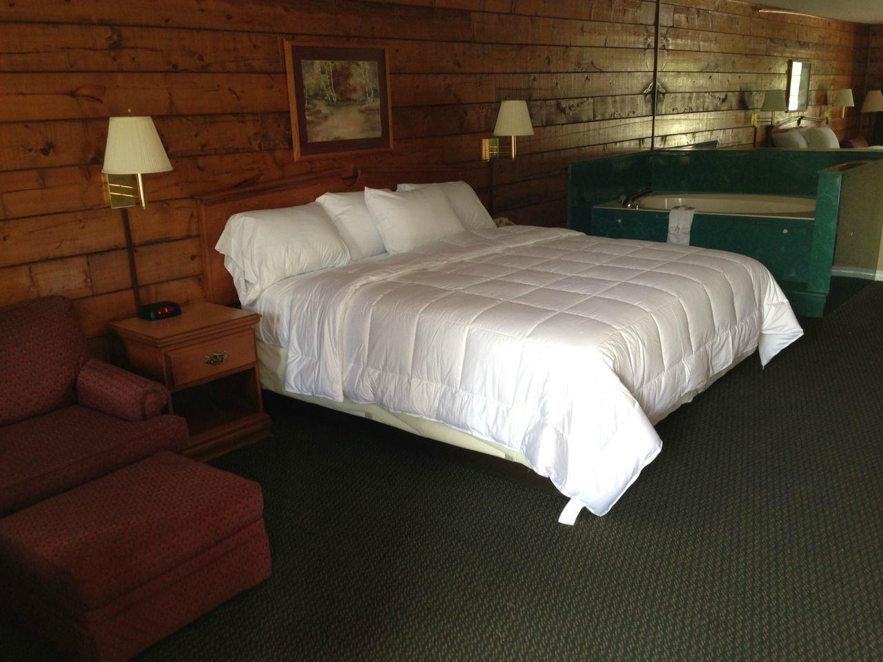 Log Cabin Inn