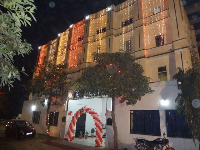Hotel White Plazo