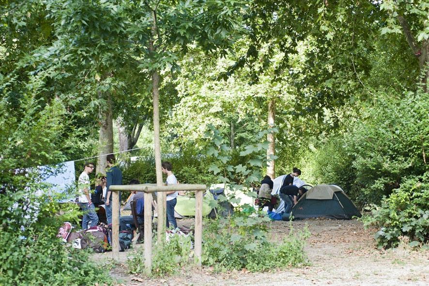 Camping indigo paris bois de boulogne hotel france for Bois de boulogne piscine
