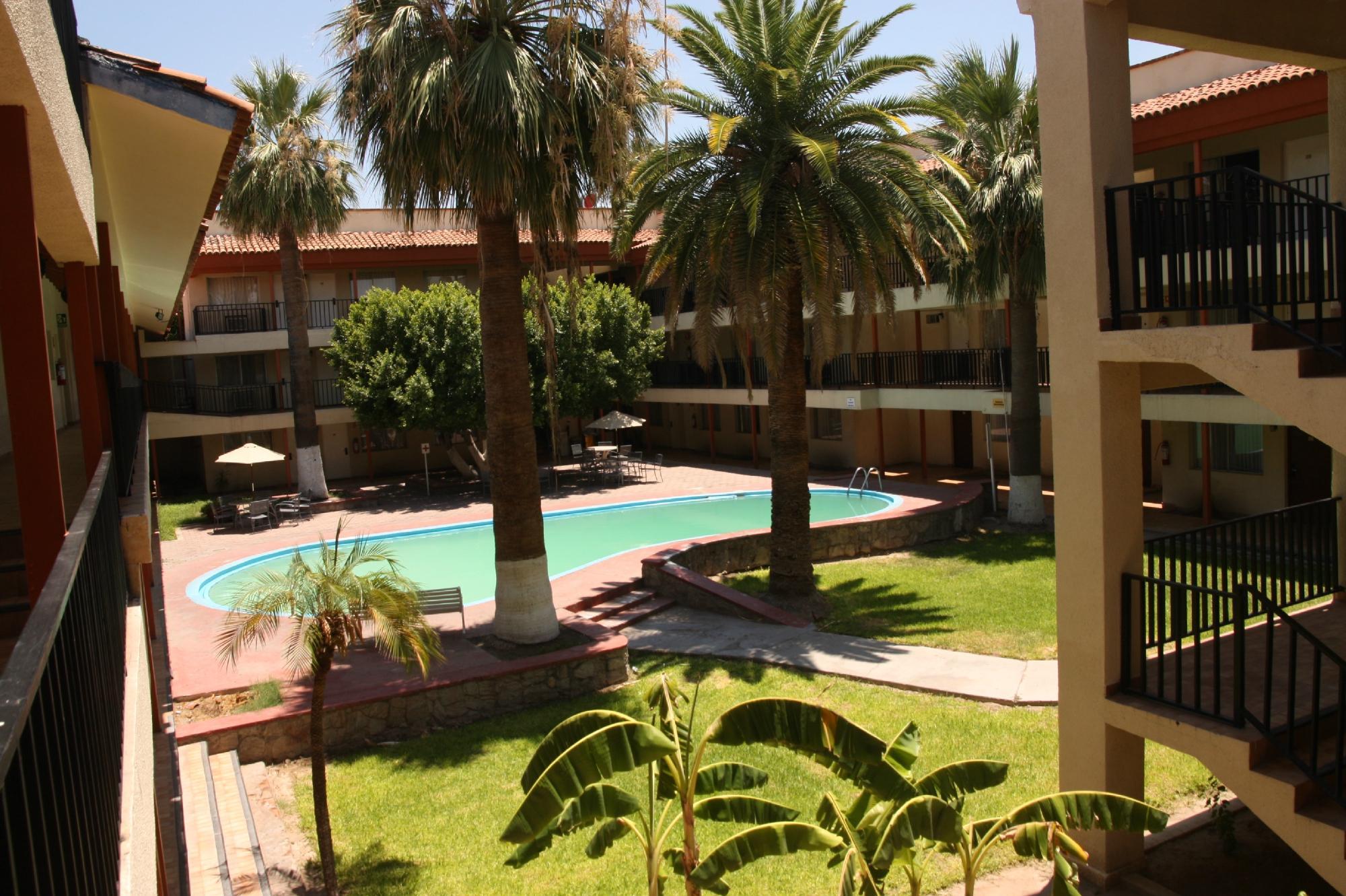 ホテル ブガンビリア