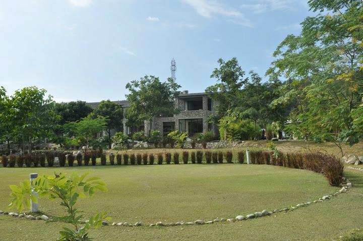 Aranya Safari Resort
