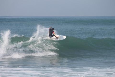 Shaka Sign Surf Camps